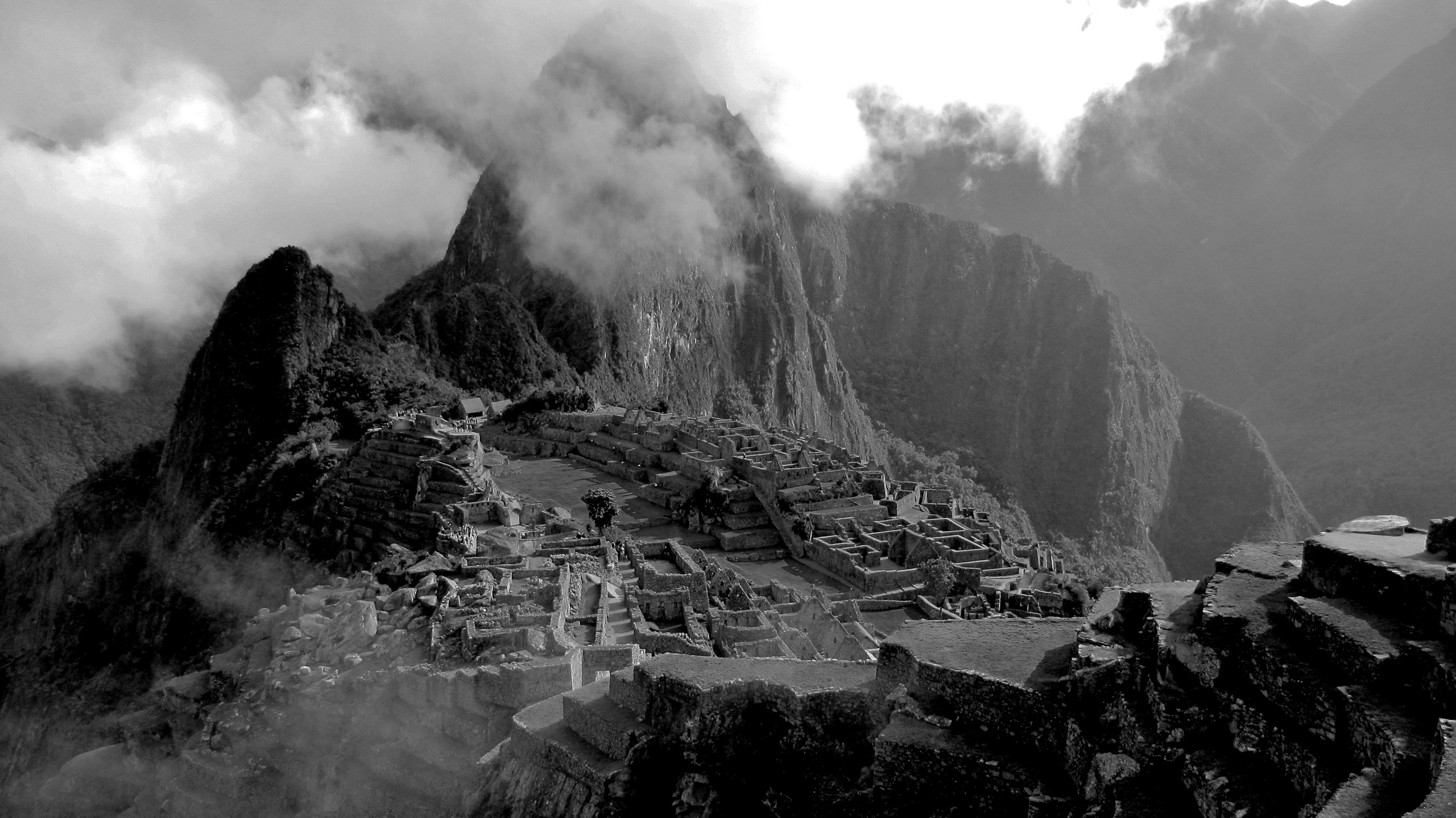 Machu-Picchu-far-view